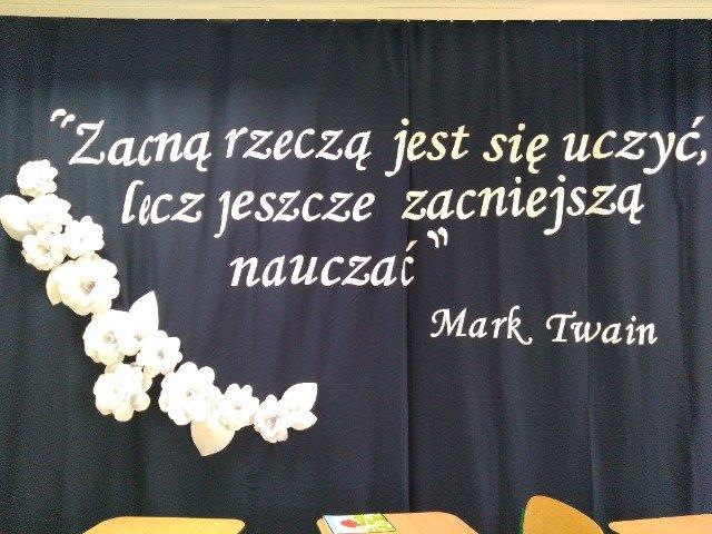 13 paźdzernika odbyła się w Szkole Podstawowej w Podjazach uroczysta akademia, której hasłem przewodnim były słowa Marka Twaina:Zacną rzeczą jest uczyć, lecz jeszcze zacniejszą - nauczać.  Tegroczne święto, zwane potocznie Dniem Nauczyciela, miało...